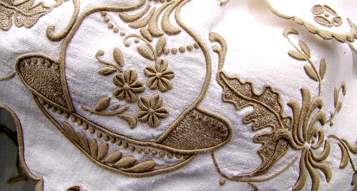 embroidery_02.jpg