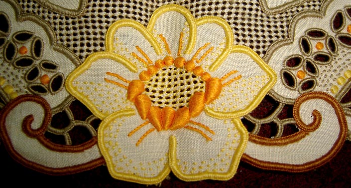 embroidery_03.jpg